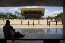 Reconstruyendo Medellin
