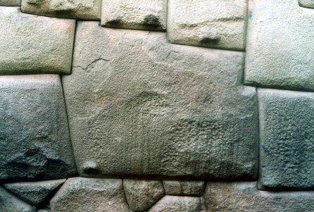 Piedra de los doce ángulos, Cusco