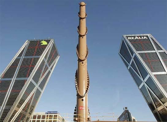 Un nuevo habitante en la Plaza de Castilla - Obra de Calatrava