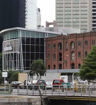 Edificio portuario (que) será reciclado para mantener su estilo inglés