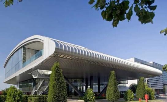 Edificio industria automotriz