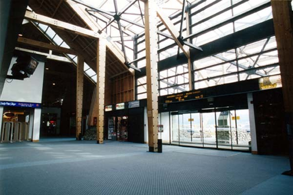 Aeropuerto Internacional de Ushuaia, del arquitecto uruguayo Carlos A. Ott .