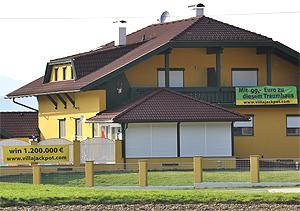 Vista de la casa que se subasta en Austria