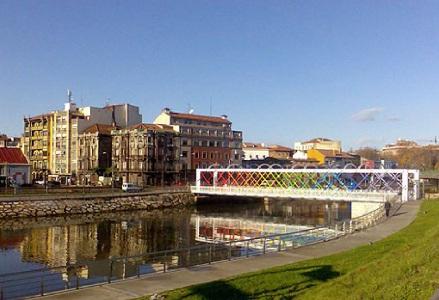 La comercial y portuaria Avilés ha cambiado en los últimos años