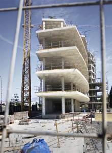 Edificios que se han dejado sin terminar en la costa de Alicante