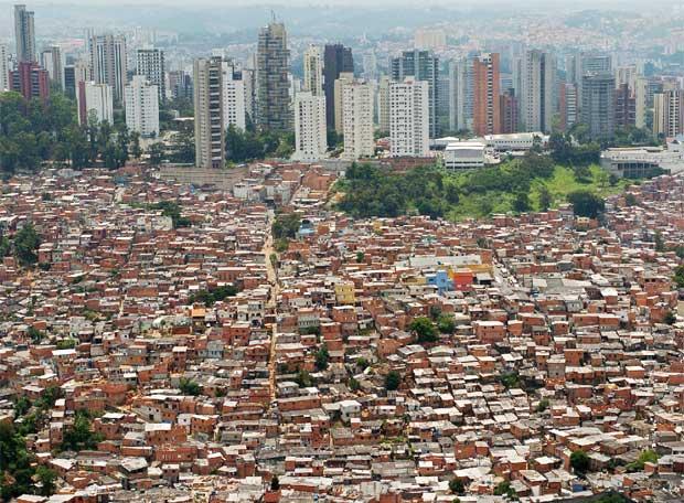 La favela Morumbi de São Paulo, Brasil