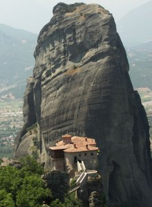 Vista de uno de los aéreos monasterios ortodoxos de Meteora