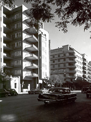 Edificio O'Donnell 33, en Madrid, años sesenta.