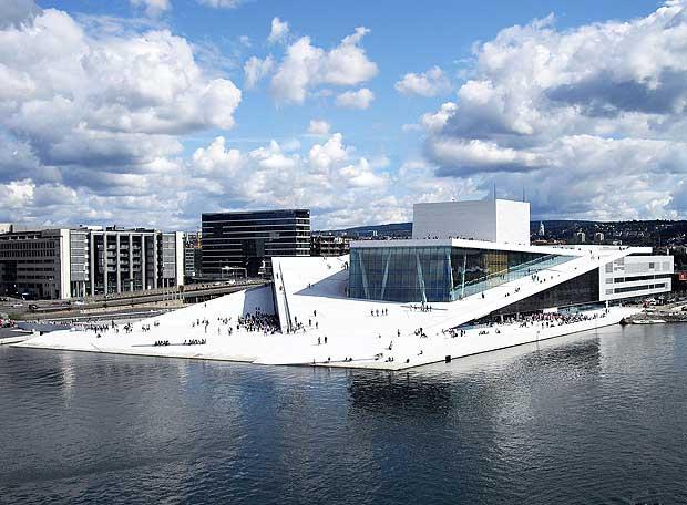 Ópera y el Ballet Nacional de Noruega, Oslo, de Snøhetta es la obra ganadora del Premio de Arquitectura