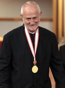 Peter Zumthor, en 2008, con la medalla imperial del Japón