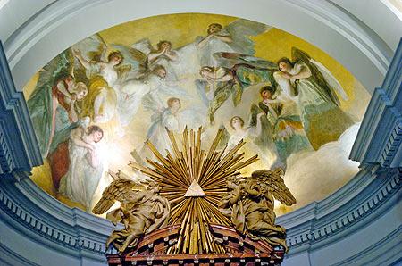 Frescos de Goya en el altar (Foto: Begoña Rivas)