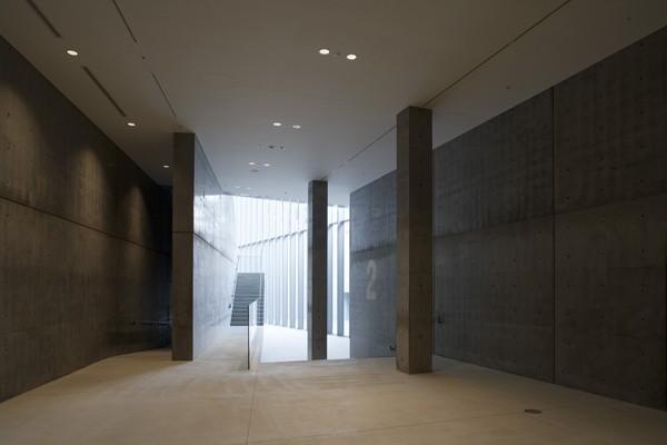 21_21 Design Sight, diseñado por Tadao Ando para Issey Miyake . Foto:Tadao Ando