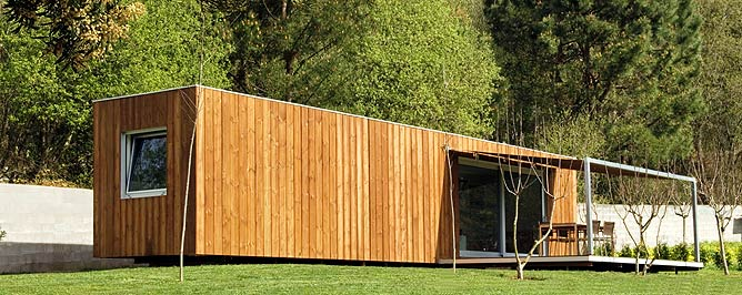 Casa-contenedor diseñada por S. Fernández y B. Rodríguez en O Val Miñor (Pontevedra) | Elmundo.es