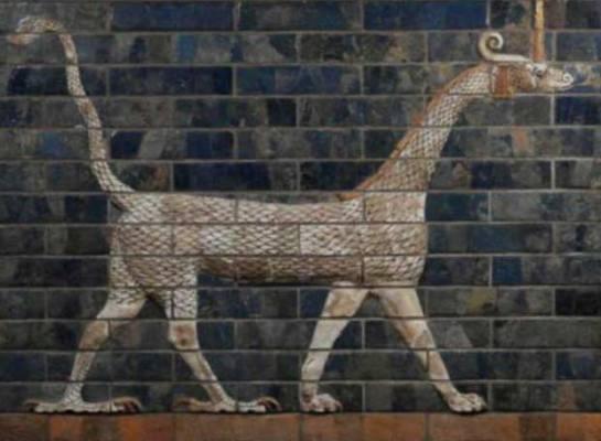 'El dragón de Marduk en la última versión de la puerta de Ishtar'. Relieve en ladrillos esmaltados. Vorderasiatiches Museum. Berlín.