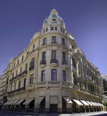 Fachada del hotel Fën, ex Savoy, en Rosario, puesto en valor por Plan Arquitectura . Foto:  Fën Hoteles