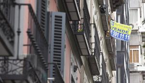 Cartel de 'Se Vende' en Madrid. | G. Arroyo