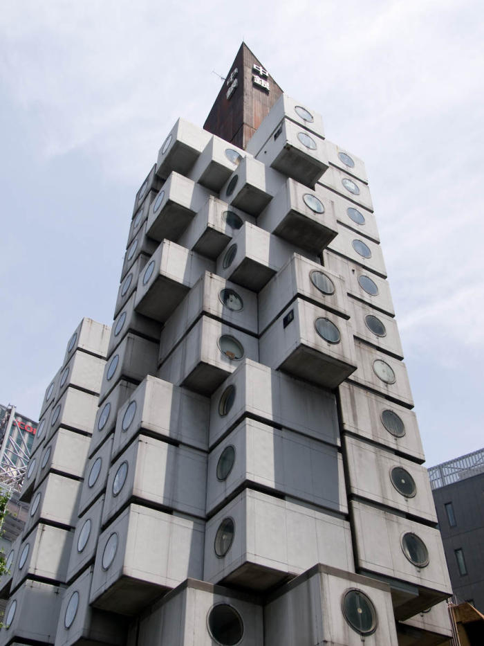 Nakagin Capsule Tower Building - Torre Cápsula por jumbo185usa en Flickr