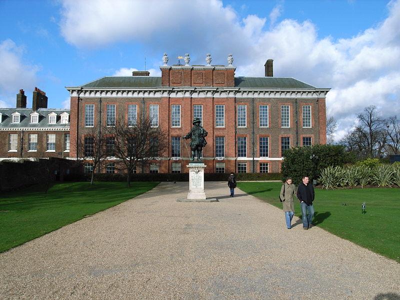Fachada principal del Palacio de Kensington