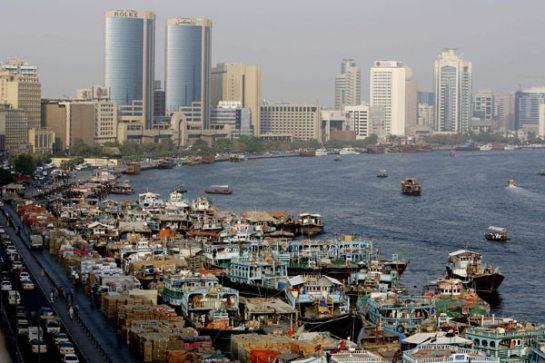 Vista de la bahía de Dubai, el emirato del ladrillo.   AFP