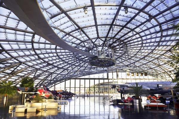 Hangar-7, Aeropuerto de Salzburgo, Volkmar Burgstaller Foto: Helge Kirchberger / Red Bull Photofiles