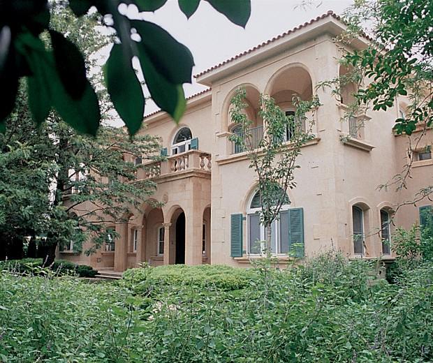 Vista general de la casa de estilo netamente clásico