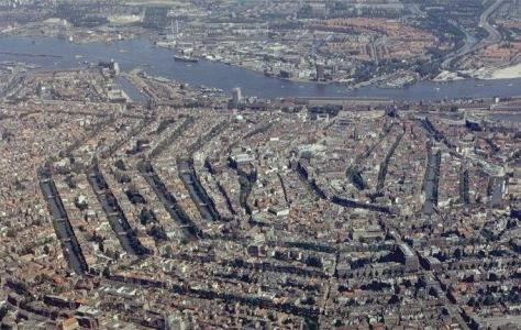 Vista aérea del Centro Histórico de Ámsterdam, Holanda