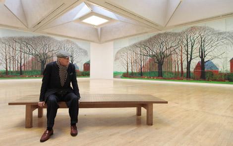 Hockney, junto a sus obras en la Tate Gallery. | AFP
