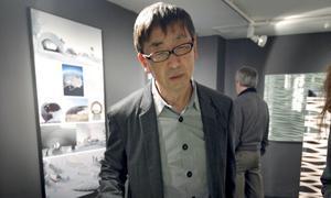 Toyo Ito, ayer en Casa Asia, visitando su exposición /EFE