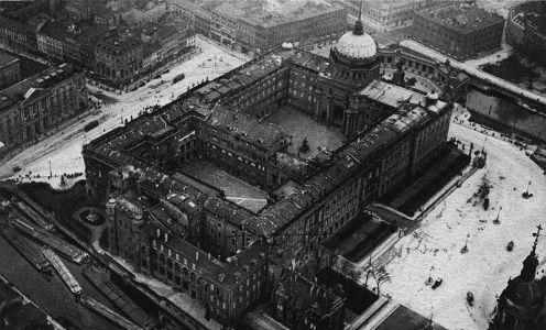 Vista del palacio en 1900.  Foto:  Wikipedia