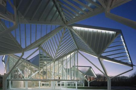 El Pabellón de Cristal del Parque del Recinto Ferial de Cuenca.- AKE LINDMAN