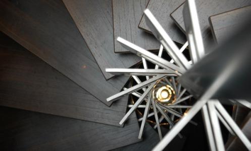Detalle de la escalera de una de las viviendas del edificio - Foto: ElMundo.es