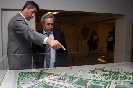 """Miguel Angel Gil Marín: """"Queremos comenzar las obras antes de que concluya el 2010"""" Foto:  elatleti"""
