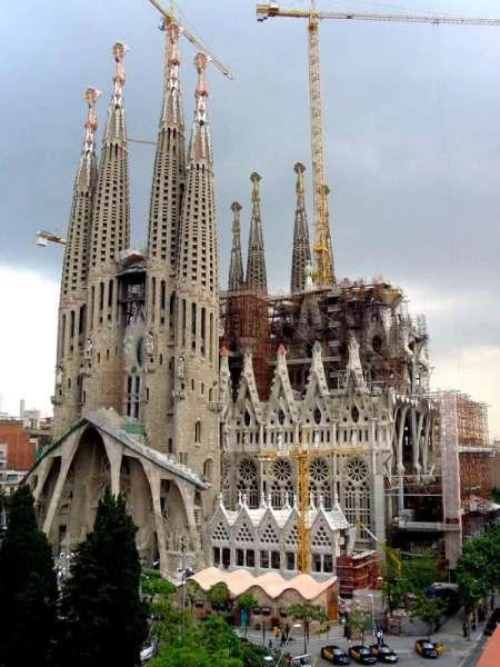 Las obras continúan en la Sagrada Familia de Barcelona. Foto: 20minutos.es