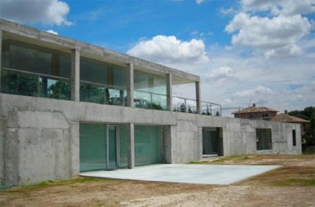 """La """"Casa Rufo"""" en la periférica urbanización Montesión de Toledo, España - Foto: Album en Multimedia - Vivienda, ElMundo.es"""