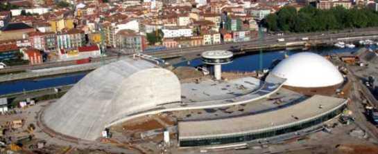 Panorama del Centro Cultural Internacional Oscar Niemeyer (en construcción) Foto: Web Oficial del Centro Niemeyer, Avilés - Asturias, España.