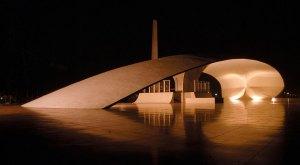 Oscar Niemeyer, Brasilia, su Obra - www.universoinmobiliario.com
