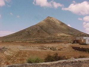 Montaña de Tindaya, Fuerteventura. Wikipedia