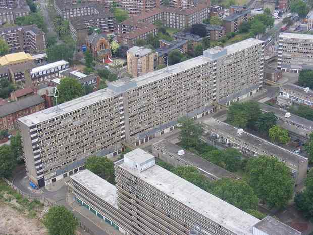Heygate Estate in June 2009 - Wikipedia