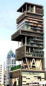 reuters La casa del hombre más rico de India, Mukesh Ambani, en la ostentosa calle Altamount de Bombai - ABC,es