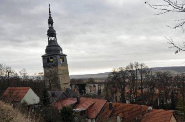 El campanario de la iglesia de 'Nuestra Señora de la Montaña', en la villa-balneario de Bad Frankenhausen del estado de Turingia (centro de Alemania), peligra  Spiegel.de