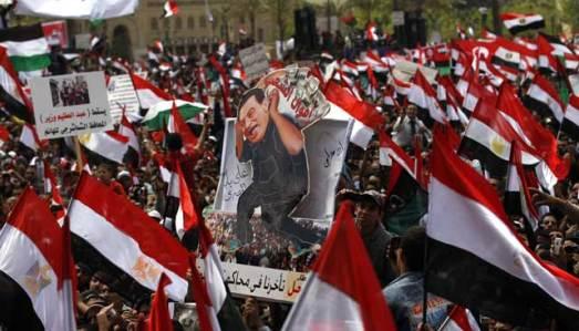 Egipcios se manifiestan contra el Gobierno interino en El Cairo. | AP - ElMundo.es