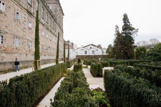 La recientemente reurbanizada Plaza de San Frutuoso en Santiago de Compostela - como ejemplo de espacio público abierto rehabilitado. Foto:  Concello de Santiago