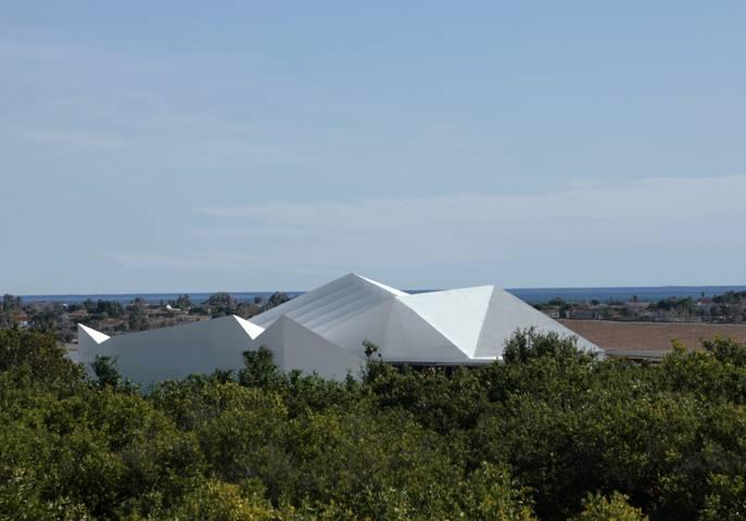 Nueva sede del grupo de empresas Azahar - Fotografía: Alejo Bagué, vía VII BIAU