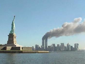 La Estatua de la Libertad y el incendio de las Torres Gemelas - Wikipedia