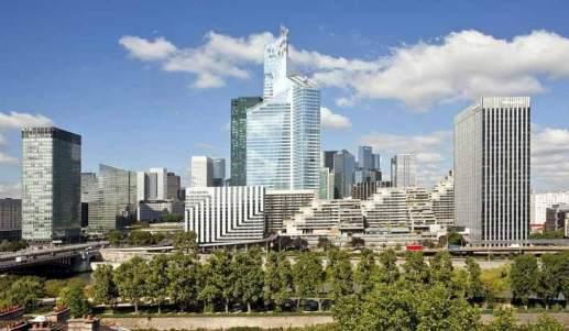 La torre First en el barrio de negocios de La Defense. (KPF-Architets) 20minutos.es