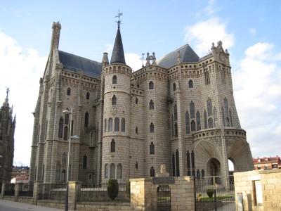 Vista general. Palacio Episcopal de Astorga, obra de Antonio Gaudí - Wikipedia