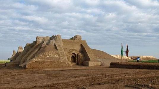 Estructura medieval de Haroba Kosht (castillo en ruinas en lengua turcomana)  Foto: SCIENZAONLINE.COM