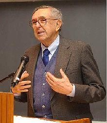 César Pelli durante una conferencia. Wikipedia