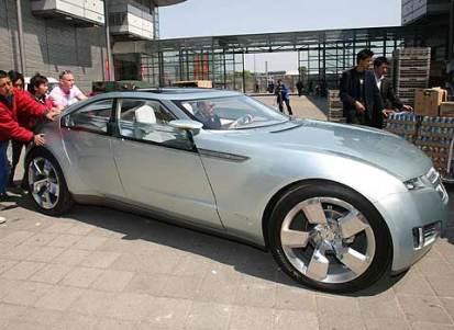 General Motors calcula que con la producción actual de hidrógeno podrían funcionar 200 millones de estos coches.