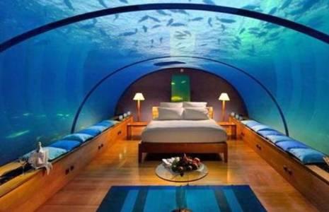 EXCÉNTRICA. La habitación subacuática para los recién casados.